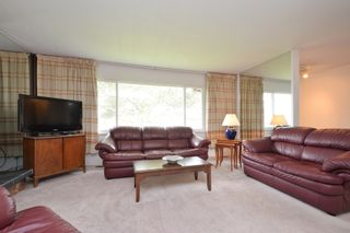 Photo 4: 4015 Osgoode Pl in Saanich East: House for sale