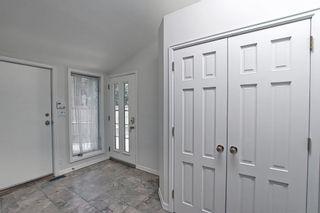 Photo 4: 382 Wildwood Drive SW in Calgary: Wildwood Detached for sale : MLS®# A1094301