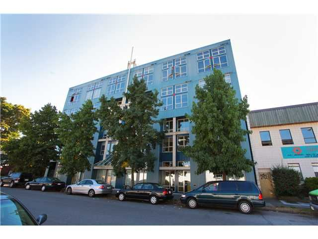 FEATURED LISTING: 401 - 338 8TH Avenue West Vancouver