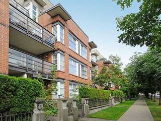 Photo 1: 313 2181 12TH Ave W in Vancouver West: Home for sale : MLS®# V1025317