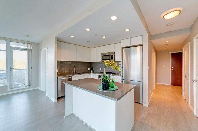 FEATURED LISTING: 707 - 3102 WINDSOR Gate Coquitlam