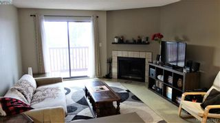 Photo 2: 304 3255 Glasgow Ave in VICTORIA: SE Quadra Condo for sale (Saanich East)  : MLS®# 809155