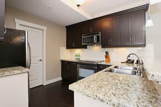 "Photo 8: 404 15368 17A Avenue in Surrey: King George Corridor Condo for sale in ""OCEAN WYNDE"" (South Surrey White Rock)  : MLS®# R2082400"