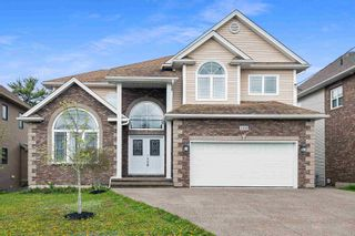 Photo 1: 148 Ravines Drive in Bedford: 20-Bedford Residential for sale (Halifax-Dartmouth)  : MLS®# 202111780