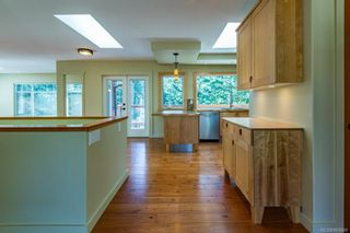 Photo 18: 797 Lazo Rd in : CV Comox Peninsula House for sale (Comox Valley)  : MLS®# 869860