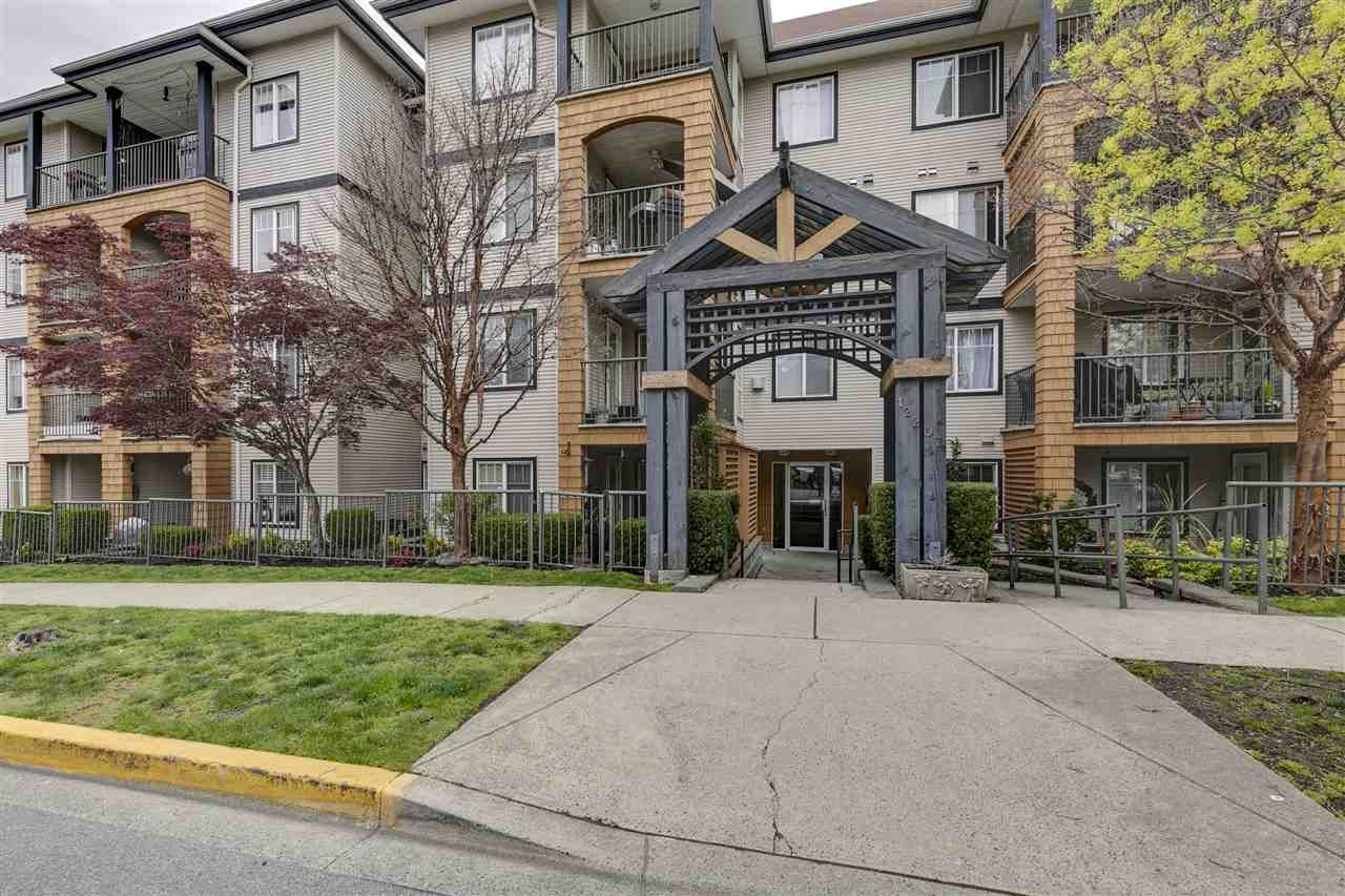 "Main Photo: 405 12207 224 Street in Maple Ridge: West Central Condo for sale in ""The Evergreen"" : MLS®# R2357887"