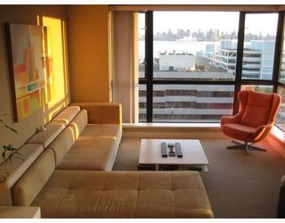 """Photo 6: 905 124 W 1ST Street in North_Vancouver: Lower Lonsdale Condo for sale in """"THE Q"""" (North Vancouver)  : MLS®# V683936"""