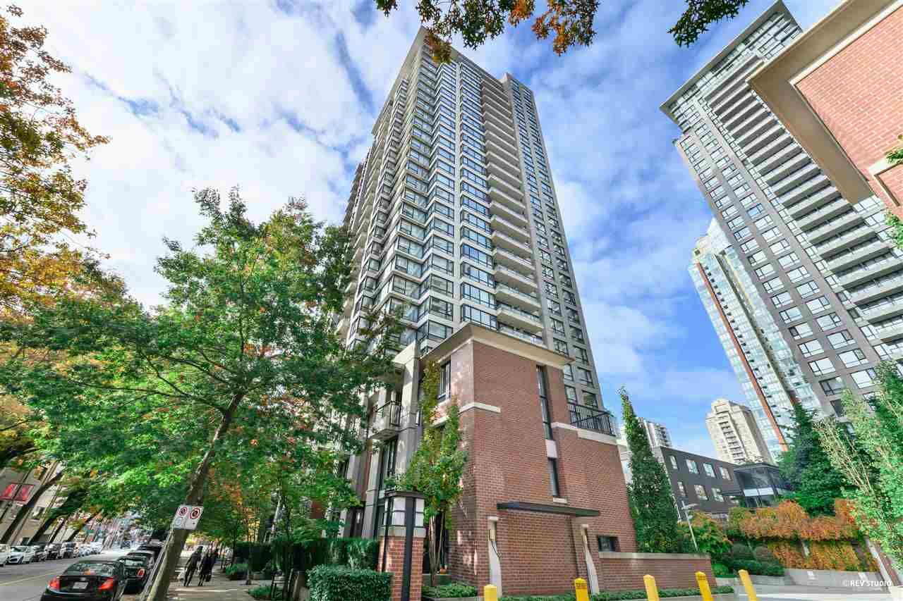 """Main Photo: 305 977 MAINLAND Street in Vancouver: Yaletown Condo for sale in """"YALETOWN PARK 3"""" (Vancouver West)  : MLS®# R2511139"""