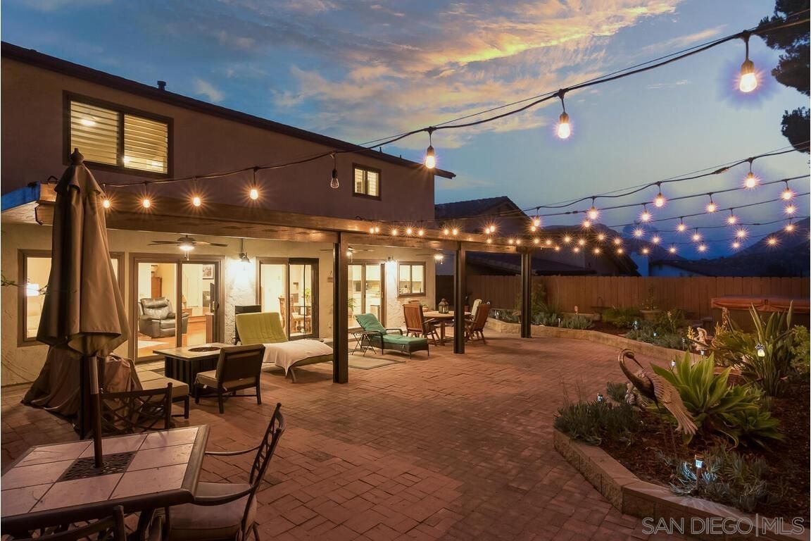 Main Photo: DEL CERRO House for sale : 5 bedrooms : 8015 Hillandale Dr in San Diego