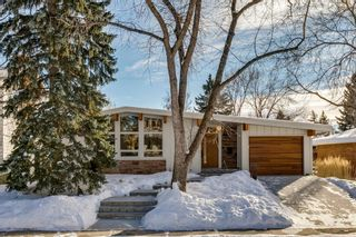 Photo 1: 1011 80 Avenue SW in Calgary: Chinook Park Detached for sale : MLS®# A1071031