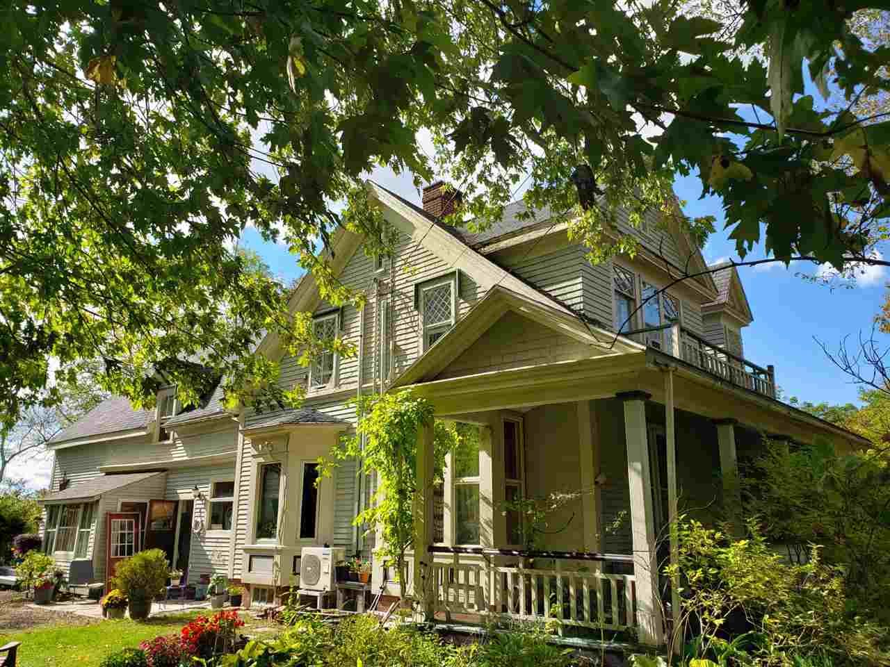 Main Photo: 693/695 St. George Street in Annapolis Royal: 400-Annapolis County Residential for sale (Annapolis Valley)  : MLS®# 202020770