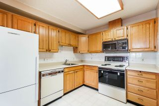 """Photo 10: 802 550 EIGHTH Street in New Westminster: Uptown NW Condo for sale in """"Park Ridge"""" : MLS®# R2500222"""