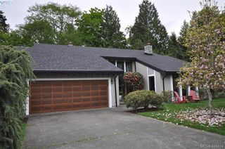 Photo 1: 839 Wavecrest Pl in VICTORIA: SE Broadmead House for sale (Saanich East)  : MLS®# 838161