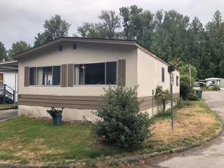Photo 1: 80 8220 KING GEORGE Boulevard in Surrey: Bear Creek Green Timbers Manufactured Home for sale : MLS®# R2610923