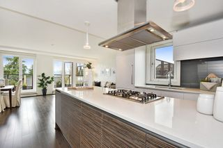 "Photo 11: 302 2035 W 4TH Avenue in Vancouver: Kitsilano Condo for sale in ""The Vermeer"" (Vancouver West)  : MLS®# R2385930"
