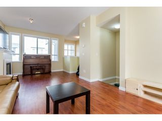 """Photo 5: 26 20159 68 Avenue in Langley: Willoughby Heights Townhouse for sale in """"VANTAGE"""" : MLS®# R2133104"""