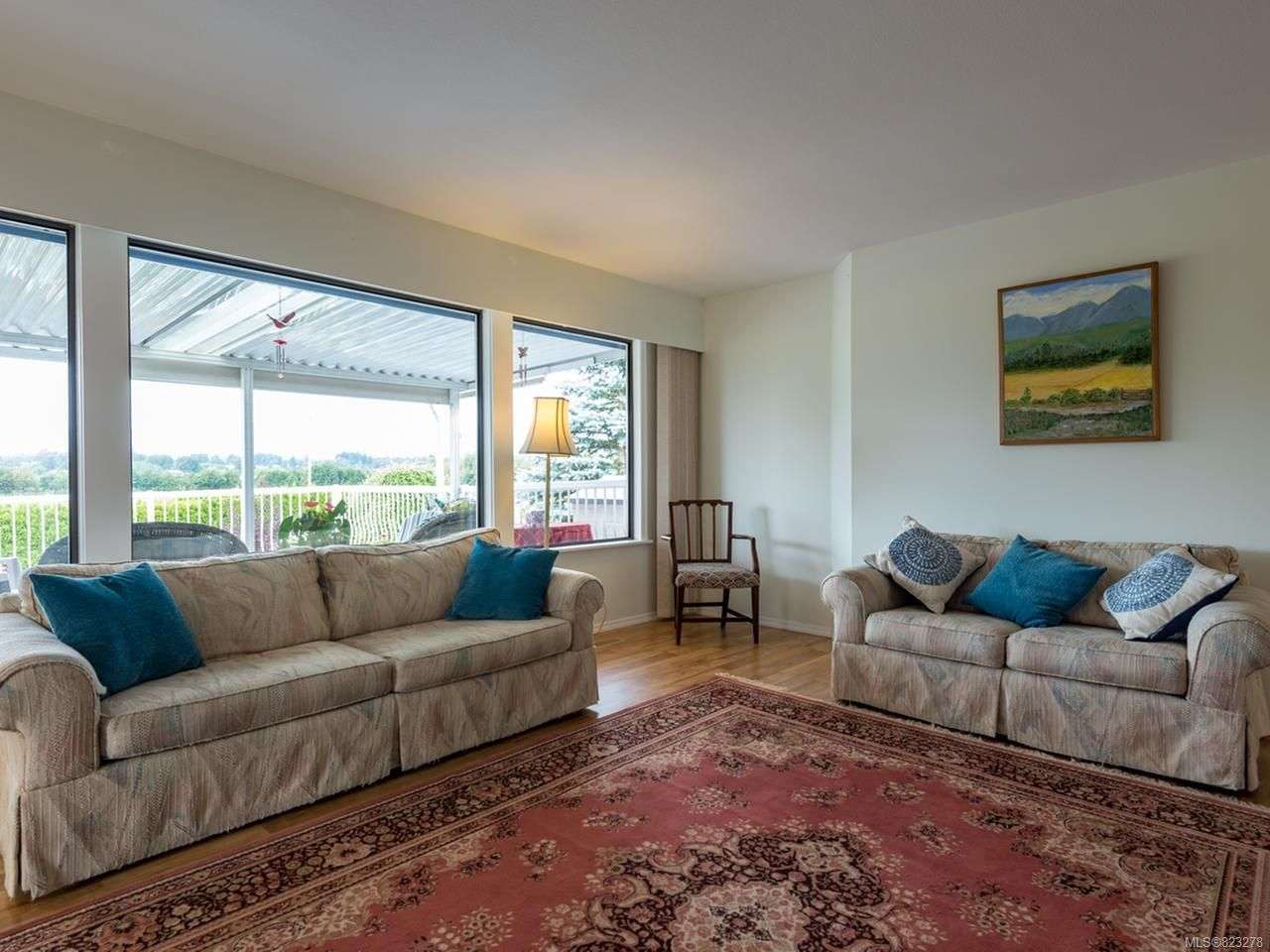 Photo 3: Photos: 1099 Williams Rd in COURTENAY: CV Courtenay East House for sale (Comox Valley)  : MLS®# 823278