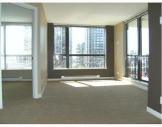 """Photo 1: 201 813 AGNES Street in New_Westminster: Downtown NW Condo for sale in """"The News"""" (New Westminster)  : MLS®# V764140"""