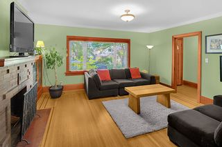 Photo 3: 2086 PARKER Street in Vancouver: Grandview Woodland House for sale (Vancouver East)  : MLS®# R2380539