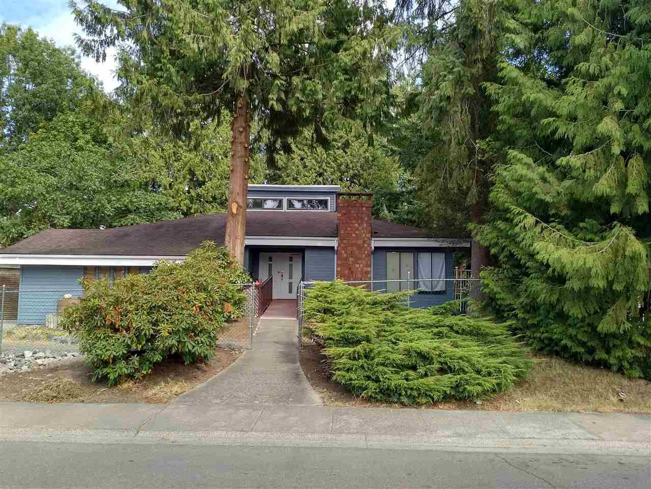 Main Photo: 15713 97 Avenue in Surrey: Guildford House for sale (North Surrey)  : MLS®# R2198134