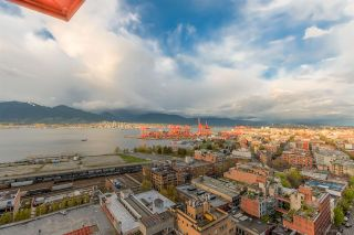 """Photo 4: 2503 128 W CORDOVA Street in Vancouver: Downtown VW Condo for sale in """"WOODWARDS W43"""" (Vancouver West)  : MLS®# R2161032"""