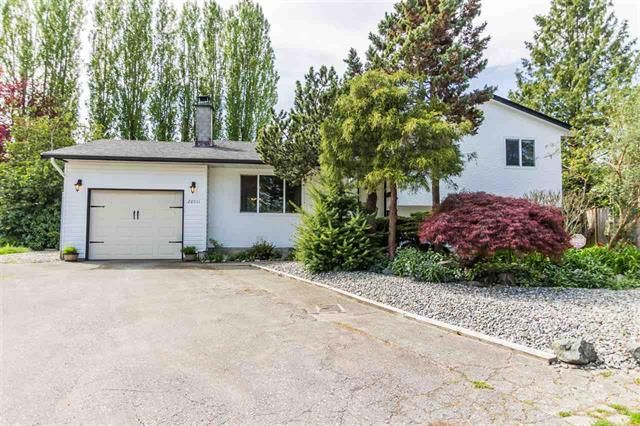 Main Photo: 20511 48A Avenue in Langley: Langley City House for sale : MLS®# R2266246