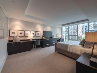 """Photo 11: 1510 HOMER Mews in Vancouver: Yaletown Townhouse for sale in """"THE ERICKSON"""" (Vancouver West)  : MLS®# R2334028"""