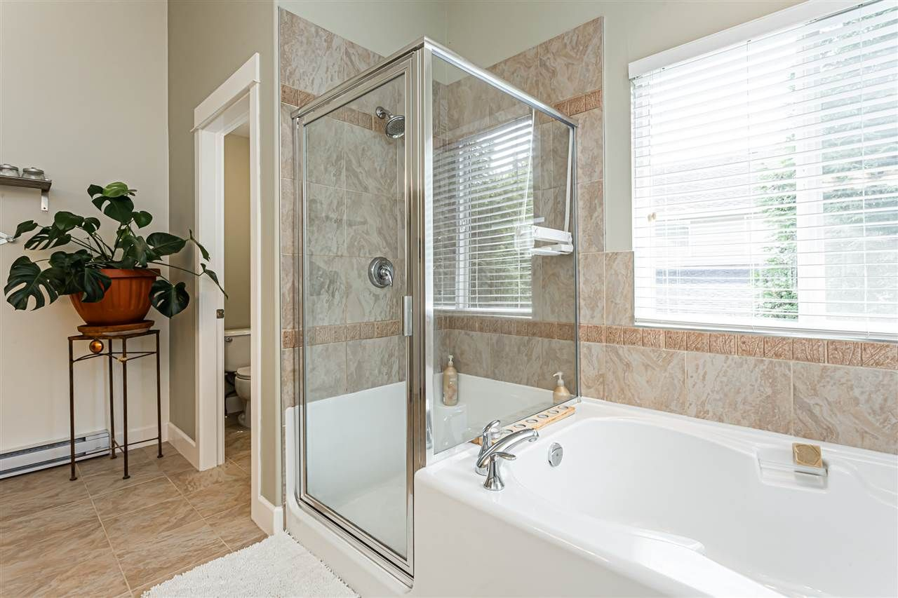 """Photo 19: Photos: 6751 204B Street in Langley: Willoughby Heights House for sale in """"TANGLEWOOD"""" : MLS®# R2557425"""