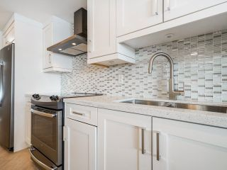 """Photo 7: 1006 1235 QUAYSIDE Drive in New Westminster: Quay Condo for sale in """"RIVIERA TOWER"""" : MLS®# R2612437"""