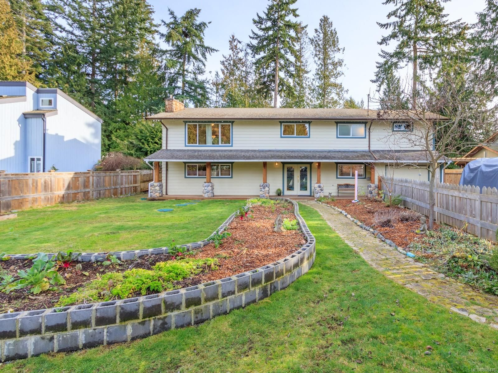 Main Photo: 868 Ballenas Rd in : PQ Parksville House for sale (Parksville/Qualicum)  : MLS®# 865476