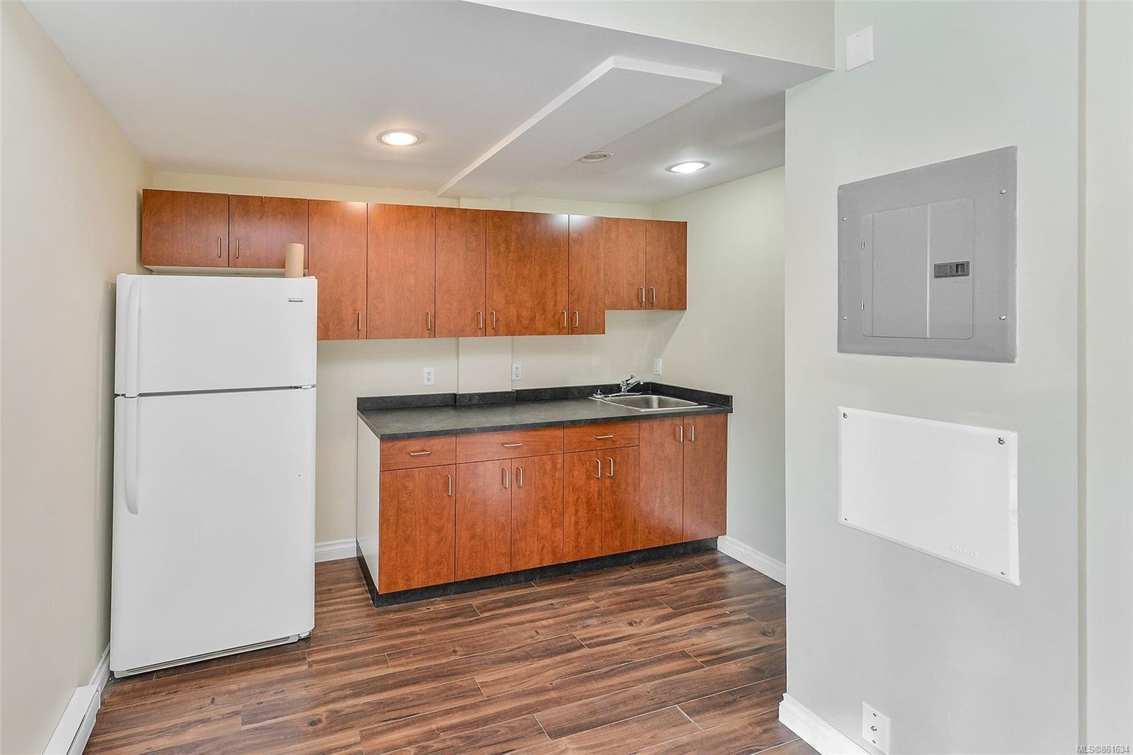 Photo 13: Photos: 367 E Burnside Rd in : Vi Burnside Quadruplex for sale (Victoria)  : MLS®# 861634