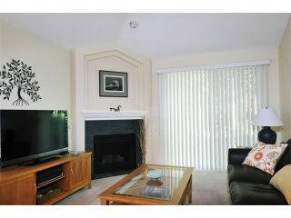 """Photo 5: 149 101 PARKSIDE Drive in Port Moody: Heritage Mountain Townhouse for sale in """"TREETOPS"""" : MLS®# V994969"""