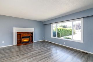 Photo 3: 9613 Lapwing Pl in : Si Sidney South-West House for sale (Sidney)  : MLS®# 882309
