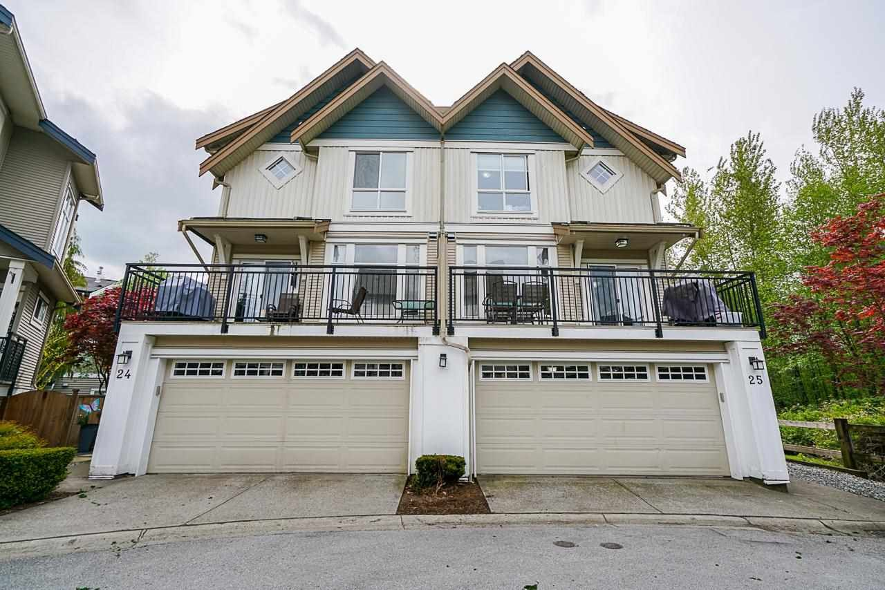 "Main Photo: 25 20120 68 Avenue in Langley: Willoughby Heights Townhouse for sale in ""The Oaks"" : MLS®# R2573725"