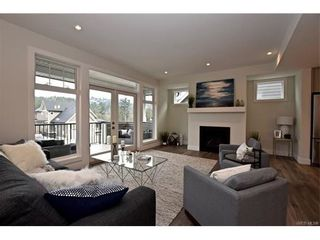 Photo 2: 819 Ashbury Ave in VICTORIA: La Olympic View House for sale (Langford)  : MLS®# 746742