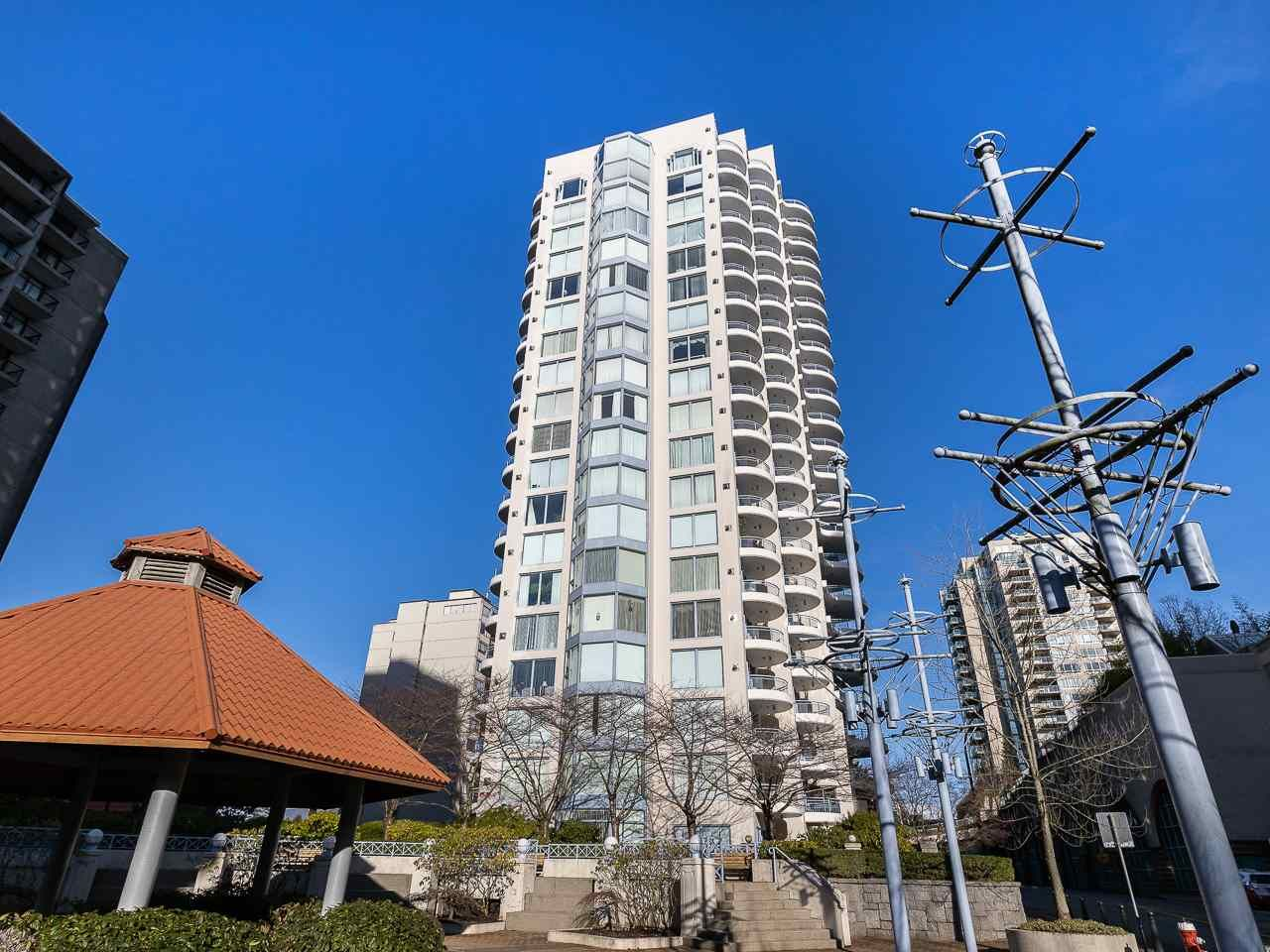 """Main Photo: 804 719 PRINCESS Street in New Westminster: Uptown NW Condo for sale in """"STIRLING PLACE"""" : MLS®# R2432360"""