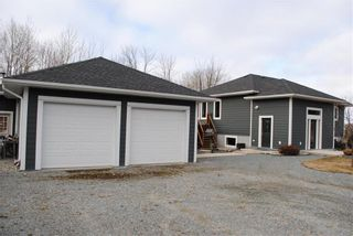 Photo 3: 1 Currie Drive in Bissett: R28 Residential for sale : MLS®# 202108347