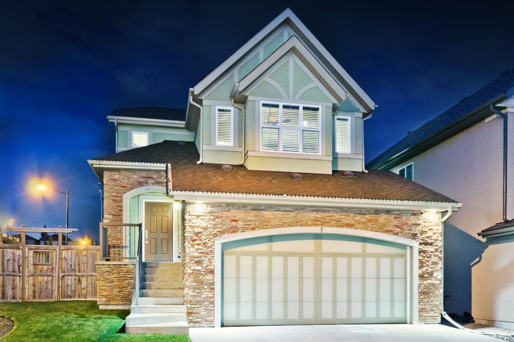 Main Photo: 4 ASPEN HILLS Place SW in Calgary: Aspen Woods Detached for sale : MLS®# A1074117