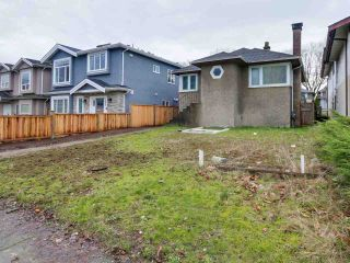 Photo 2: 2710 MCGILL Street in Vancouver: Hastings East House for sale (Vancouver East)  : MLS®# R2035003