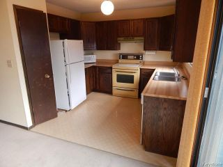 Photo 4: 371 Barker Boulevard in WINNIPEG: Charleswood Residential for sale (South Winnipeg)  : MLS®# 1506087