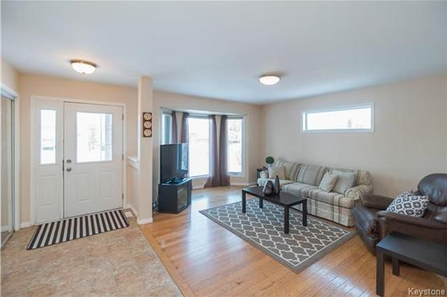 Photo 2: Photos: 16 ORIS Street in Elie: RM of Cartier Residential for sale (R10)  : MLS®# 1800701