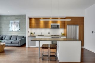 """Photo 1: 405 1228 HOMER Street in Vancouver: Yaletown Condo for sale in """"The Ellison"""" (Vancouver West)  : MLS®# R2617216"""