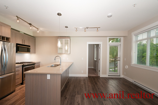 "Photo 10: 302 22327 RIVER Road in Maple Ridge: West Central Condo for sale in ""REFLECTIONS ON THE RIVER"" : MLS®# R2400929"