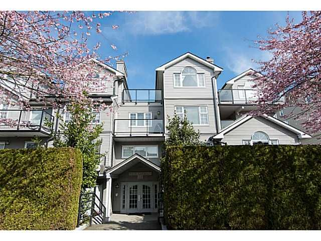 """Main Photo: 306 833 W 16TH Avenue in Vancouver: Fairview VW Condo for sale in """"The Emerald"""" (Vancouver West)  : MLS®# V1063181"""