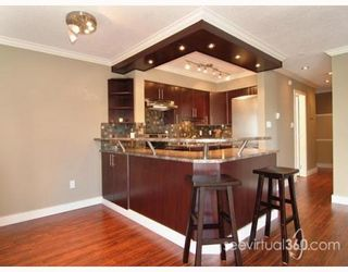 """Photo 2: 202 803 QUEENS Avenue in New_Westminster: Uptown NW Condo for sale in """"SUNDAYLE MANOR"""" (New Westminster)  : MLS®# V742612"""
