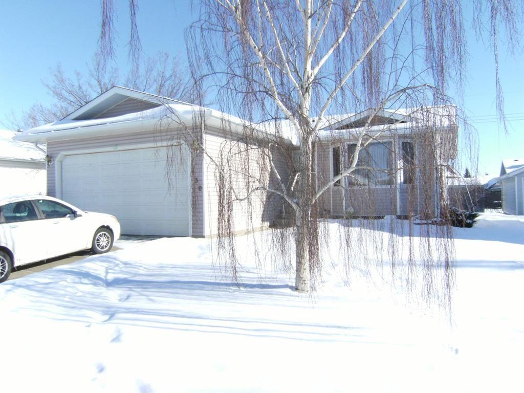 Main Photo: 930 4 Avenue SE: Three Hills Detached for sale : MLS®# A1069757