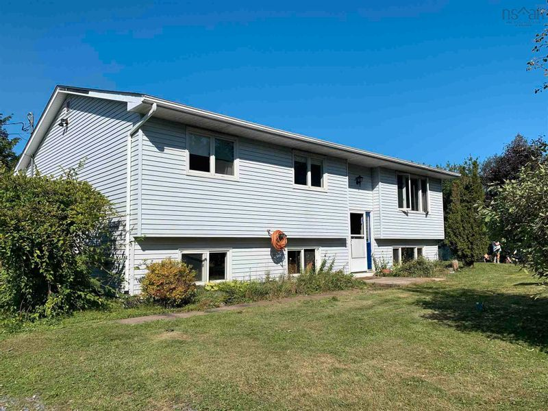 FEATURED LISTING: 55 Christies Road Boutiliers Point