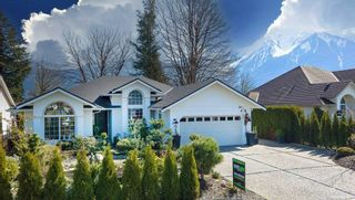 Photo 1: 1606 CANTERBURY Drive: Agassiz House for sale : MLS®# R2561015