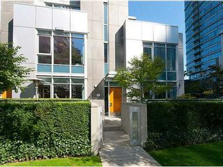 Photo 1: TH33 1281 W CORDOVA Street in Vancouver: Coal Harbour Condo for sale (Vancouver West)  : MLS®# V990509