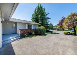 Photo 2: 3076 BABICH Street in Abbotsford: Central Abbotsford House for sale : MLS®# R2367135